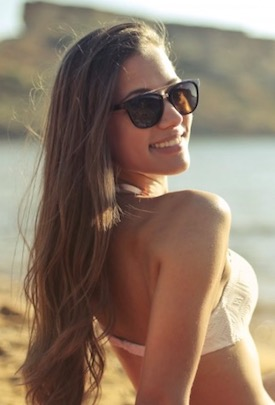 10 Signs She Likes You